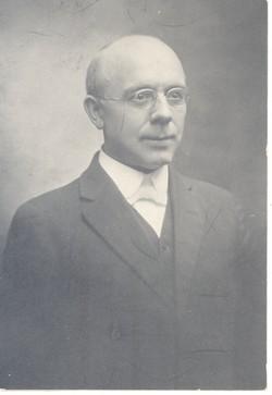 Walter B Yount