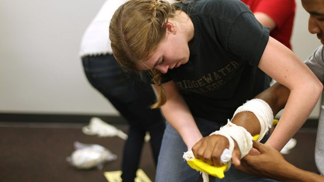 Athletic training with arm splints